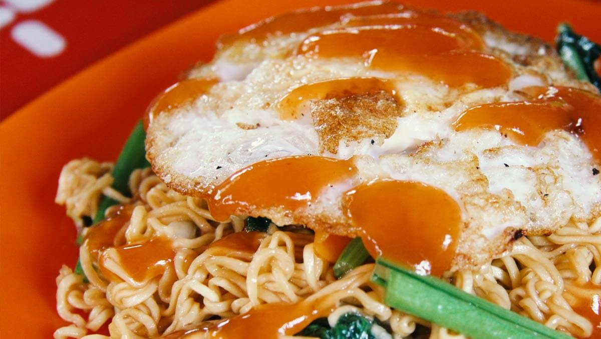 Noodles with fried eggs - Cambodia