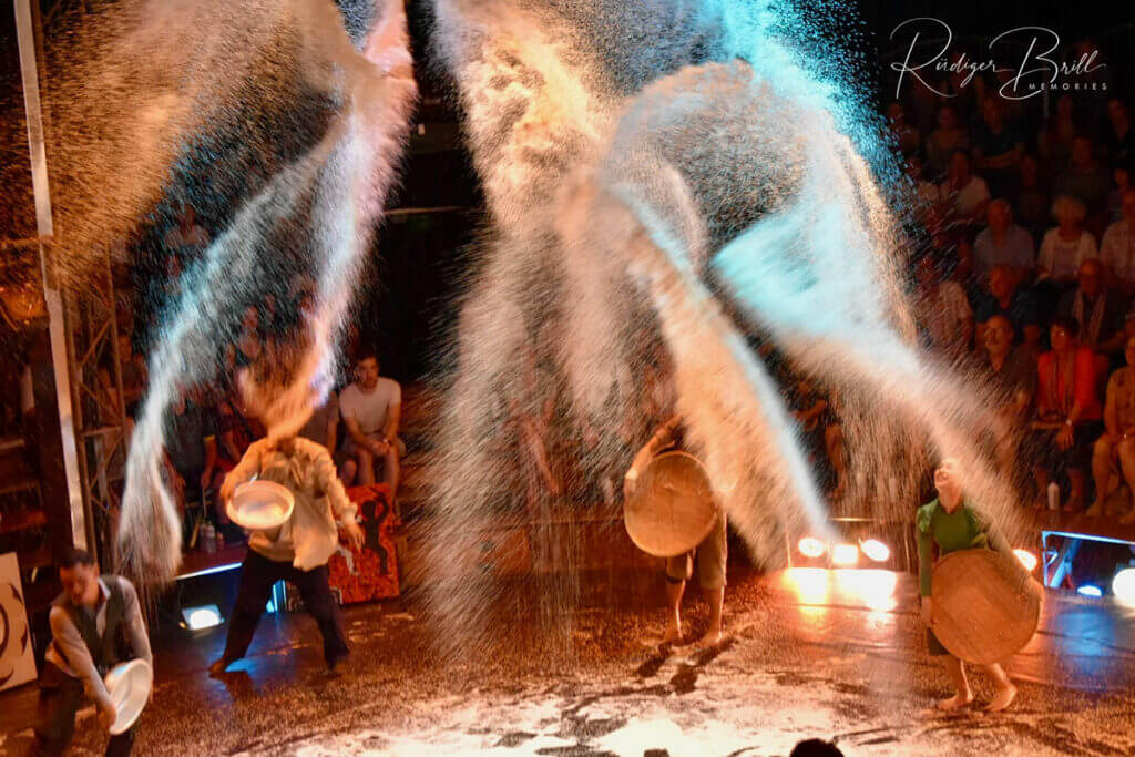 "Phare Circus in Siem Reap, Show ""White Gold"" - Phare Ponley Selpak, non-profit arts school."